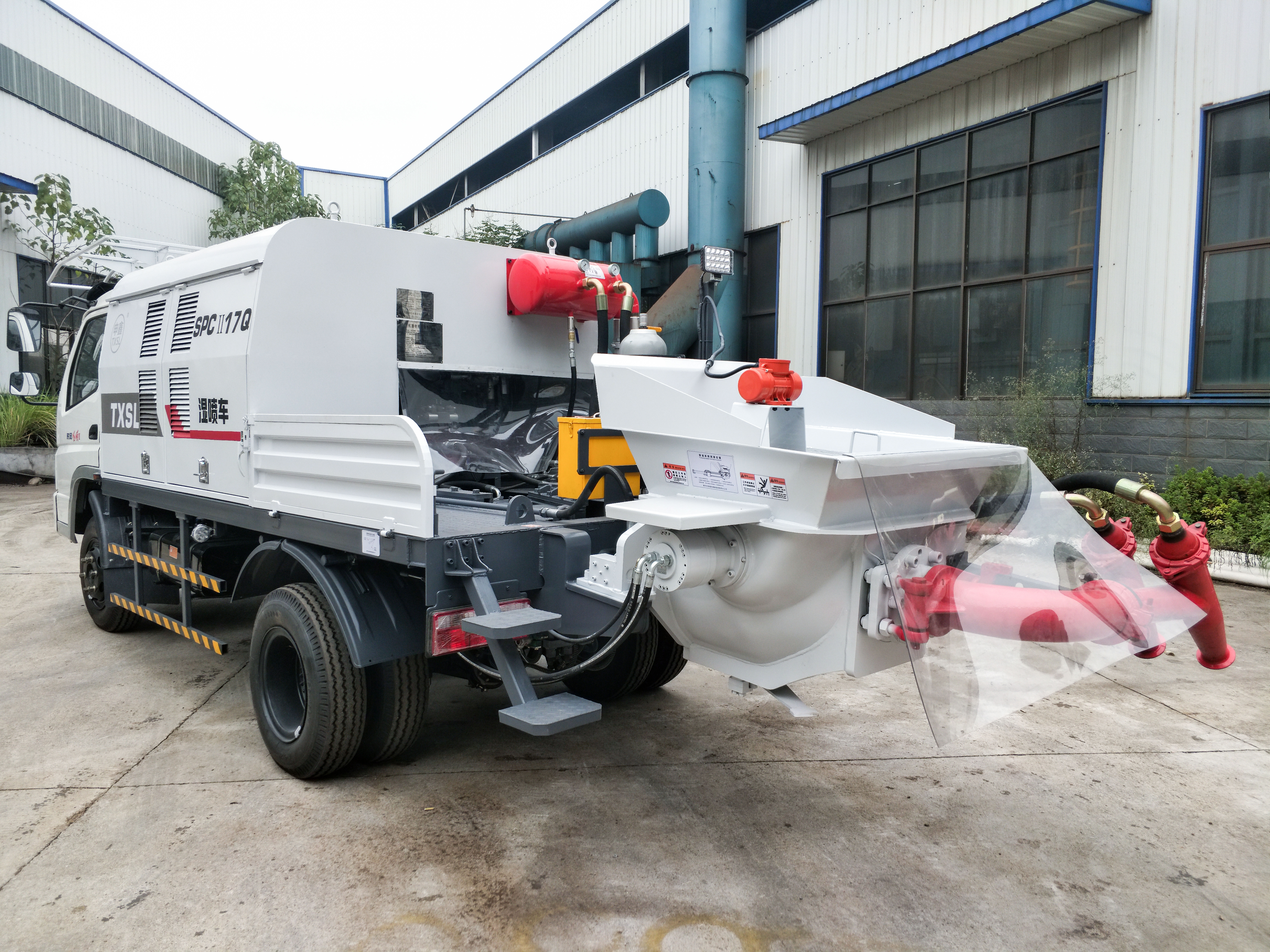Truck-mounted Shotcrete machine with double spraying nozzle, new favorite in tunnel construction With the